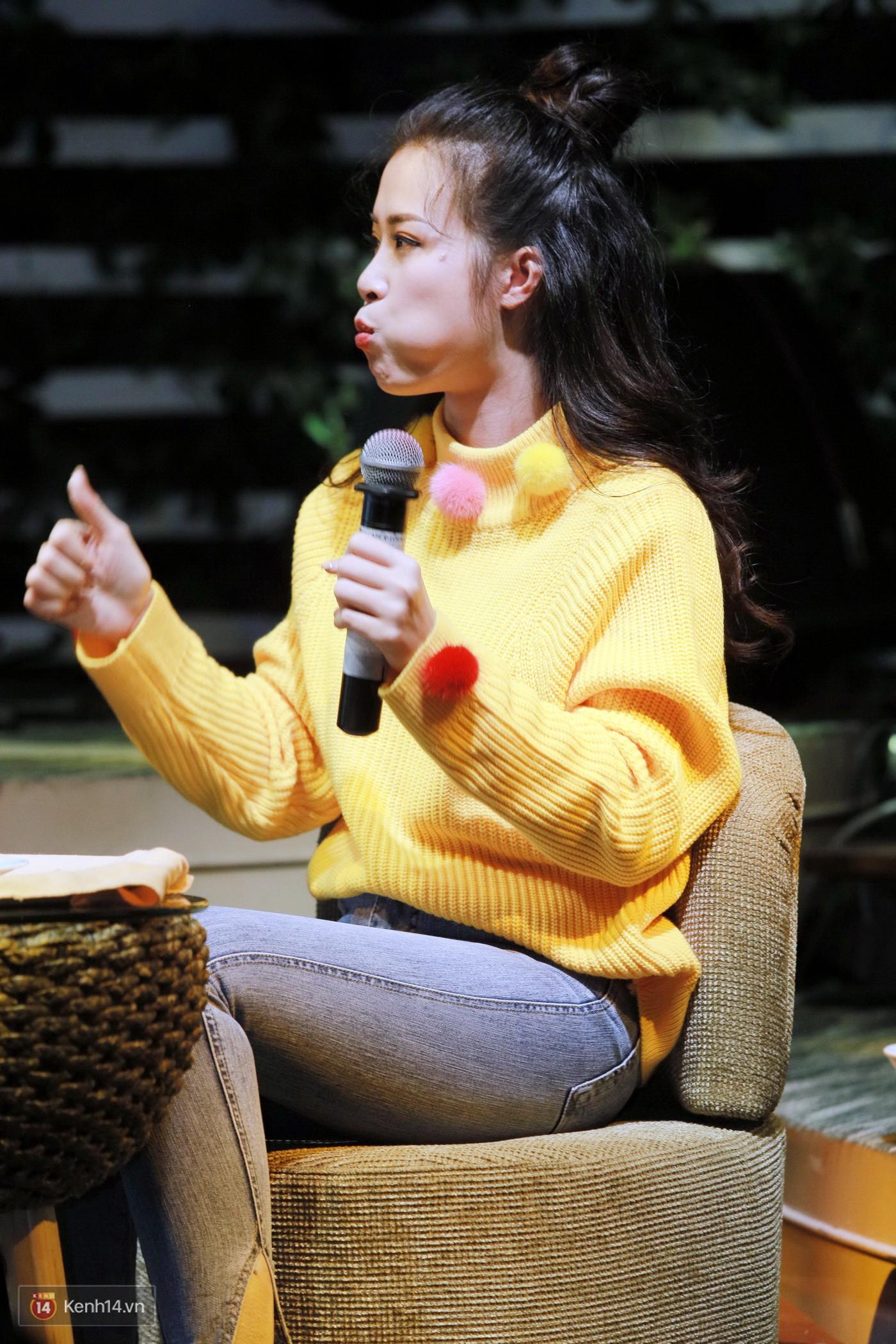 Đông Nhi nghẹn ngào rơi nước mắt trước tình cảm của fan Hà thành trong buổi fan-meeting - Ảnh 10.