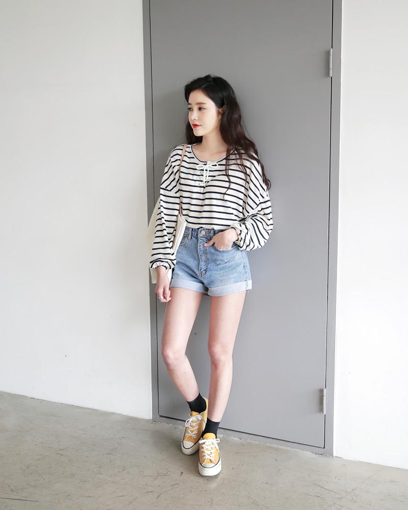 Mùa hè nhất định phải mặc jean shorts rồi, mix thế nào cũng đẹp ngất ngây thế này kia mà! - Ảnh 9.