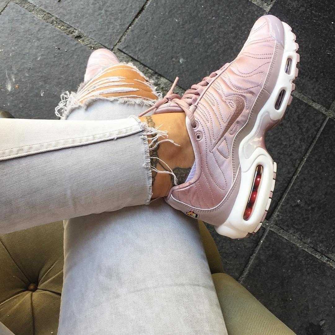 4 xu hướng sneaker đang ám ảnh các tín đồ thời trang toàn cầu bạn không thể ngó lơ - Ảnh 10.