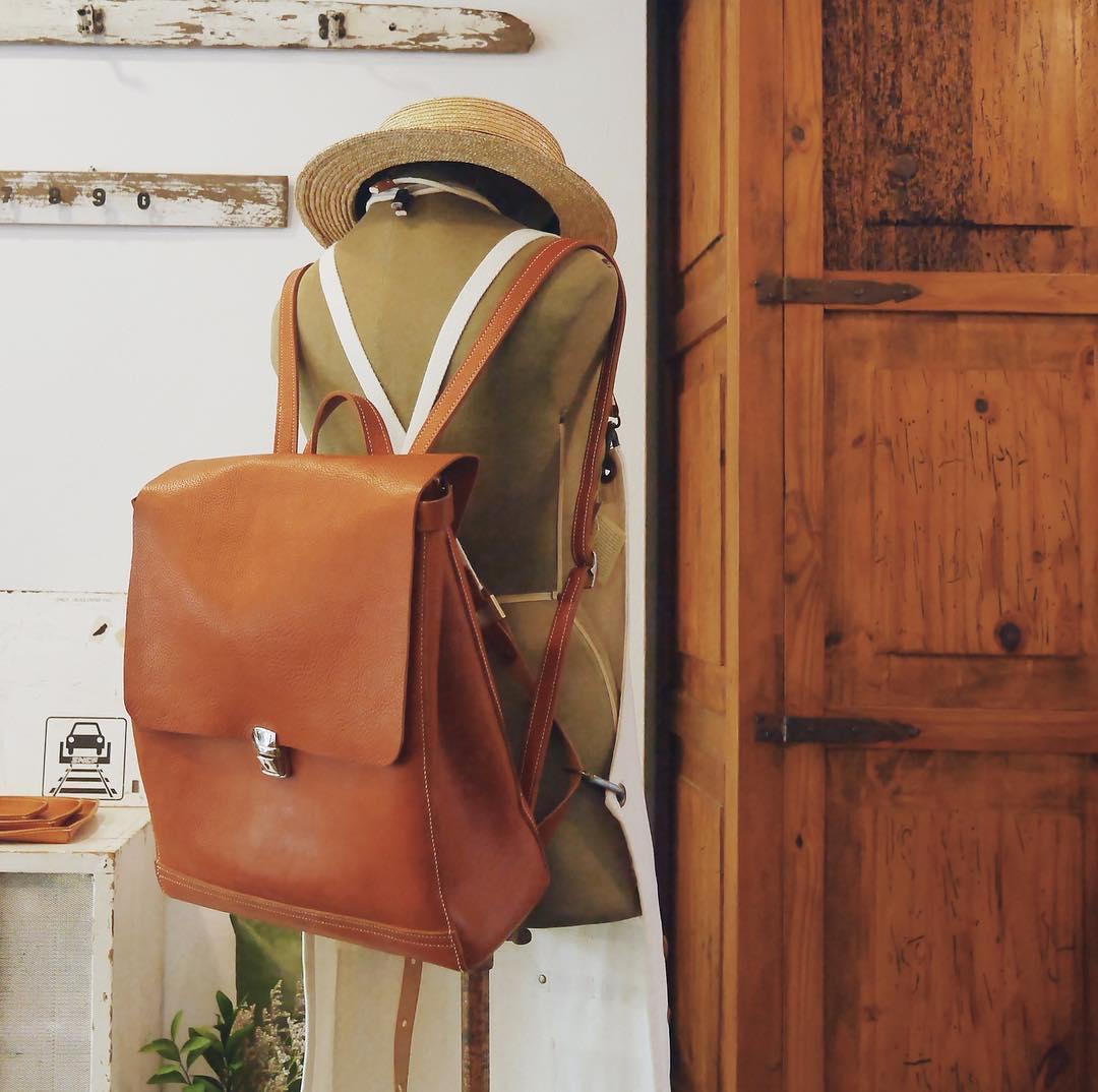 Ai bảo túi đi học không thể trendy? Đây là 5 kiểu túi cực xinh và chất mà các nàng có thể diện đến trường - Ảnh 9.