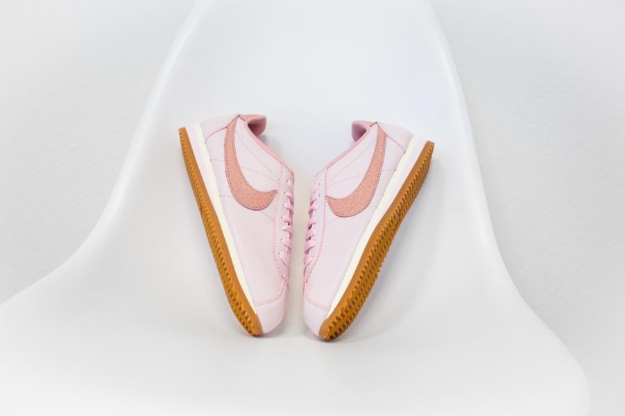 8/3 mà được tặng 1 trong 4 đôi sneaker màu hường siêu xinh này thì tuyệt vời ông mặt trời! - Ảnh 11.