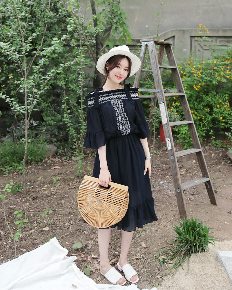 Ngoài váy hoa, hè này còn 5 kiểu váy khác cũng xinh và mát hết nấc - Ảnh 16.