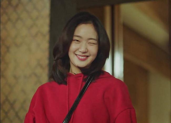 Son màu hồng đất Kim Go Eun diện trong Goblin gây sốt, con gái Hàn thi nhau sắm - Ảnh 3.