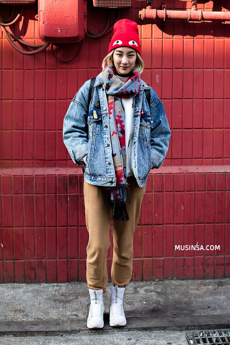 Ngắm street style thế giới, gật gù công nhận những set đồ ấm áp, thoải mái cũng có thể hút mắt hết sảy - Ảnh 3.