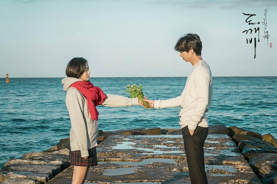 """Biên kịch """"Goblin"""" được bầu chọn trở thành biên kịch xuất sắc nhất Hàn Quốc - Ảnh 3."""