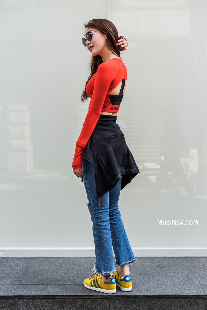 Ngắm các bạn trẻ Hàn mix đồ cool như thế này vừa thấy ghen tị vừa muốn phấn đấu mặc đẹp hơn nữa - Ảnh 4.