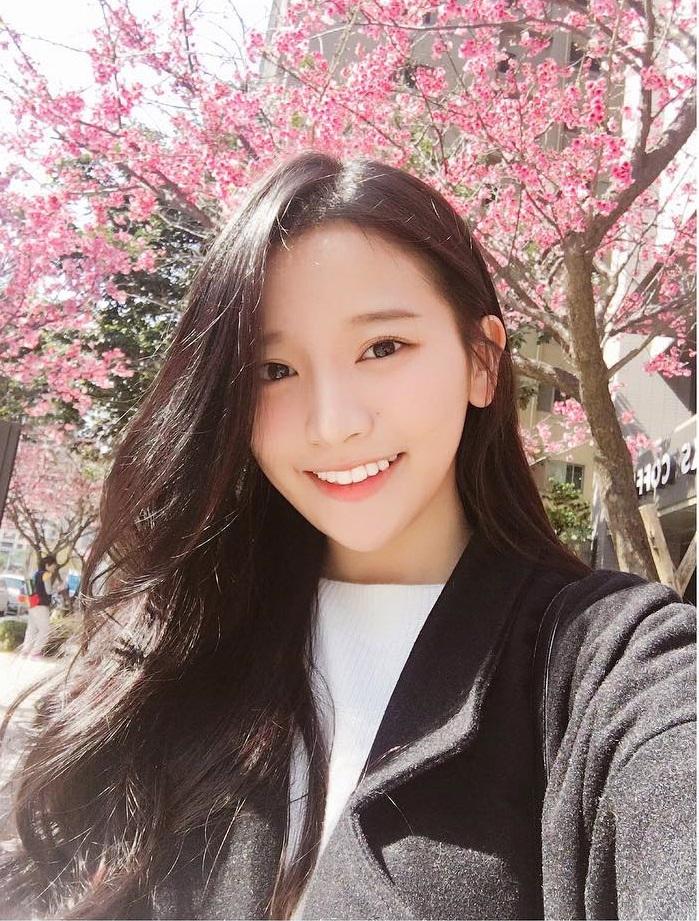 Không chỉ blogger Hàn, blogger Trung Quốc cũng toàn những cô nàng vừa xinh vừa giỏi - Ảnh 3.