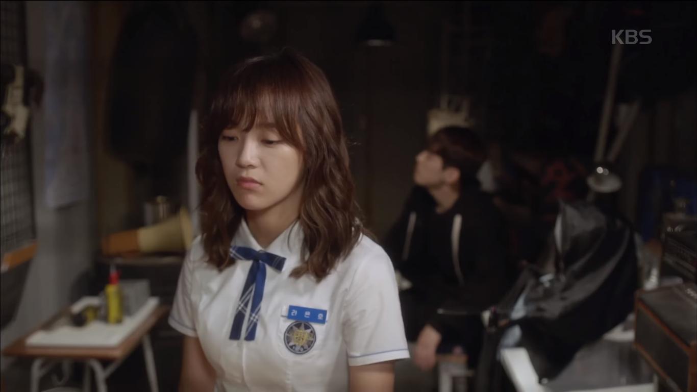 """""""School 2017"""": Liệu có phải con trai nào cũng có khuôn mặt """"dại gái"""" như thế này khi nhìn thấy gái xinh Se Jeong? - Ảnh 10."""