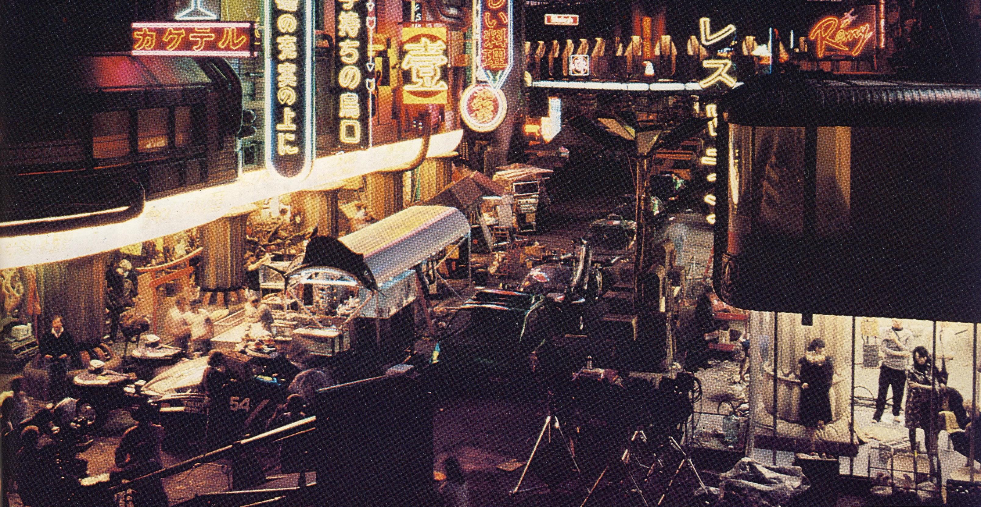 Blade Runner (1982) - Đầy lỗ hổng nhưng vẫn là một kiệt tác của thời đại - Ảnh 3.
