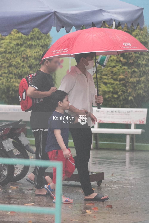 Độc quyền: Im lặng giữa tâm bão scandal, Trương Quỳnh Anh ở nhà chờ Tim đón con trai đi học về - Ảnh 3.