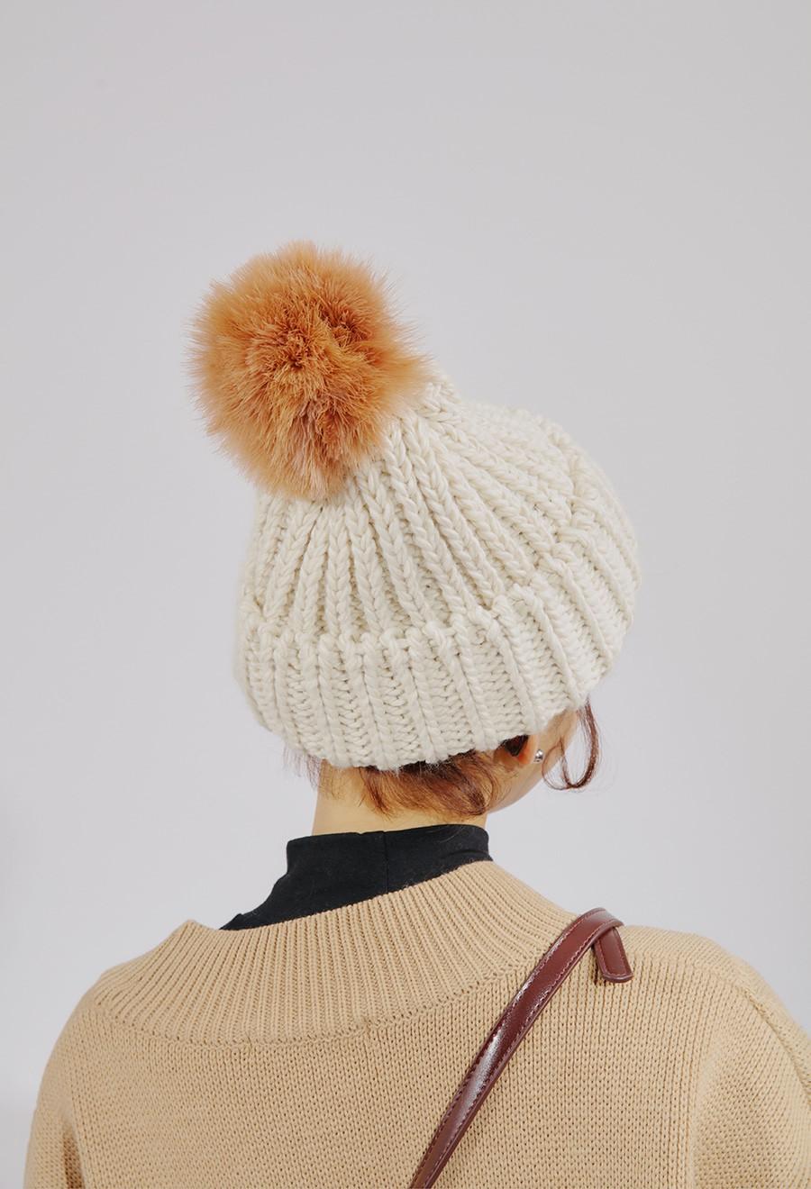 Diện thêm 4 chiếc mũ xinh xắn này, set đồ đi chơi Noel của bạn sẽ đúng điệu và nổi bật hơn hẳn - Ảnh 3.