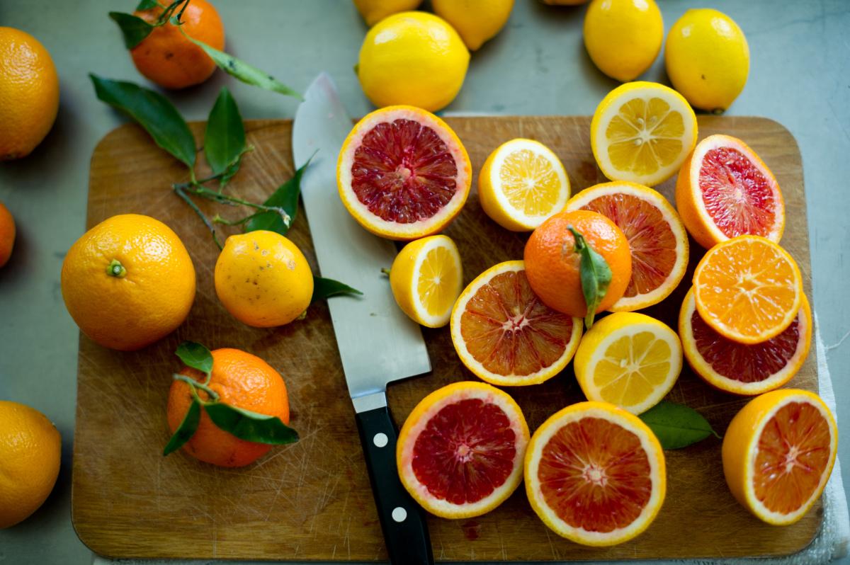 5 loại vitamin cần thiết cho vòng 1 căng tròn và ngừa ung thư vú hiệu quả - Ảnh 2.