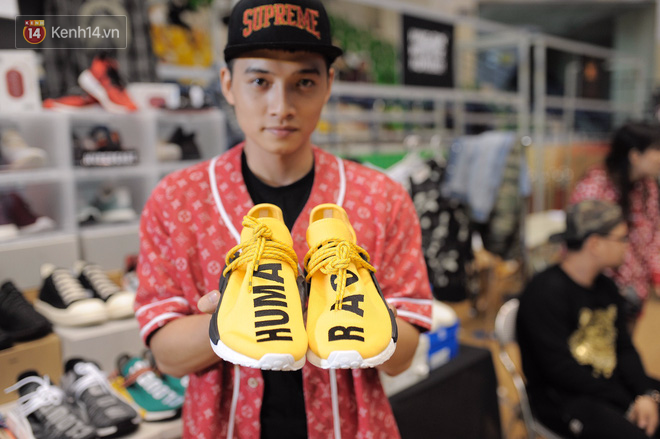 """3121cc54 99f9 4237 a328 4af4ff0558e2 1511251193688 1511251978509 - Những mẫu sneakers đỉnh nhất của """"đầu giày"""" Việt tại Sole Ex: hàng hiếm, giá ngất ngưởng từ 150 tới hơn 340 triệu đồng"""