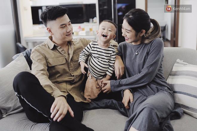 Gia đình trong mơ Trang Lou - Tùng Sơn: Có con là điều khó khăn nhất nhưng cũng hạnh phúc nhất! - Ảnh 4.