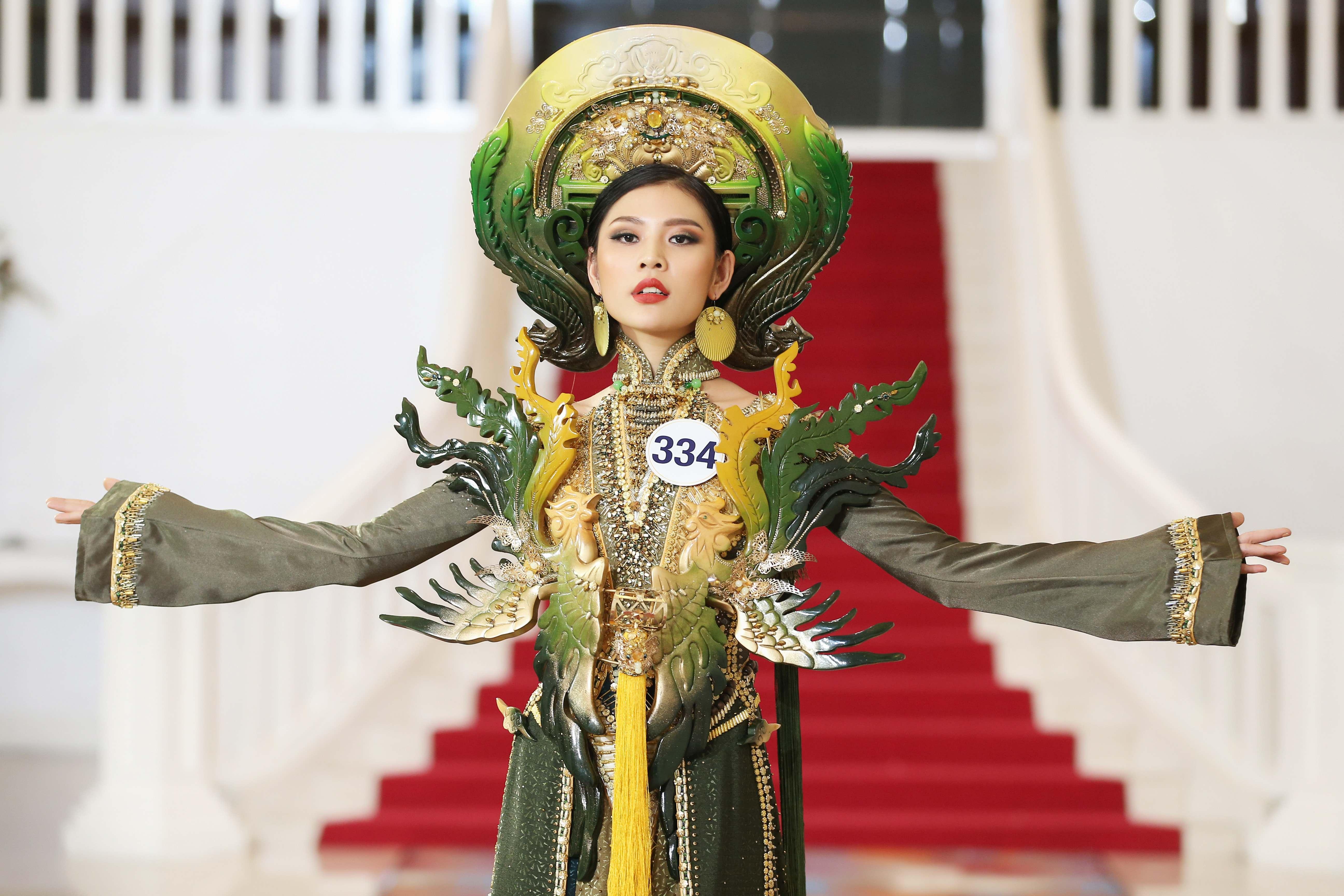 Đâu chỉ có Mai Ngô, các cô gái này cũng không phục Phạm Hương tại Hoa hậu Hoàn vũ Việt Nam - Ảnh 3.