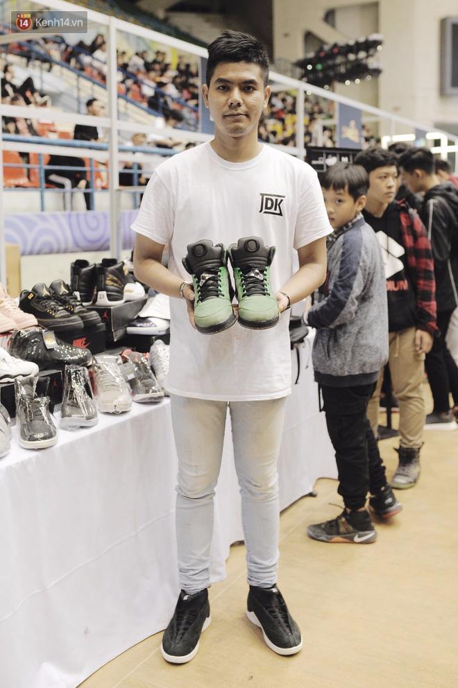"""35fd1f0c cb20 4bc3 ab4d 0751ef5f2100 1511251193685 1511252056059 - Những mẫu sneakers đỉnh nhất của """"đầu giày"""" Việt tại Sole Ex: hàng hiếm, giá ngất ngưởng từ 150 tới hơn 340 triệu đồng"""