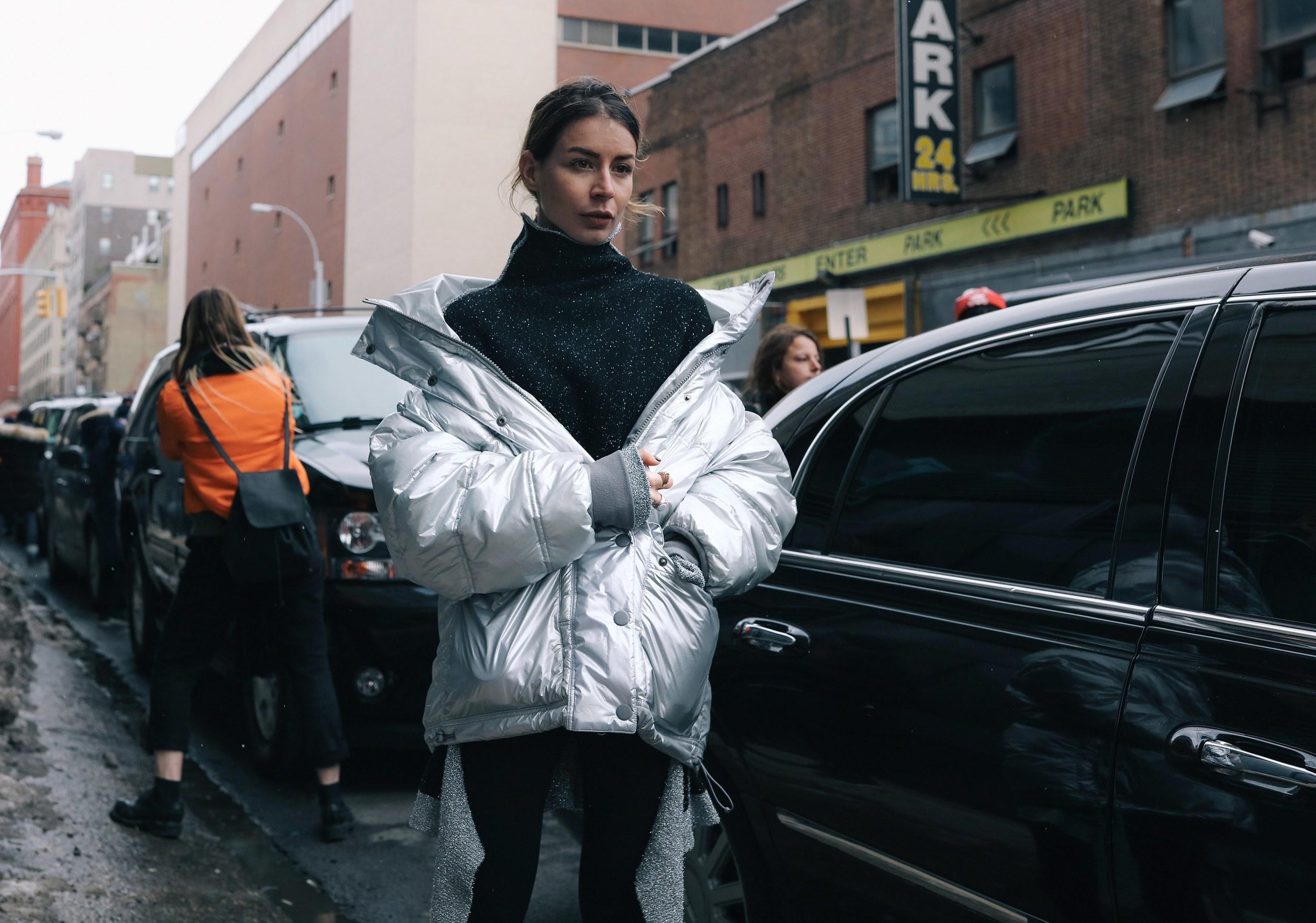 Chiêm ngưỡng đặc sản street style đẹp khó rời mắt tại Tuần lễ thời trang New York - Ảnh 4.
