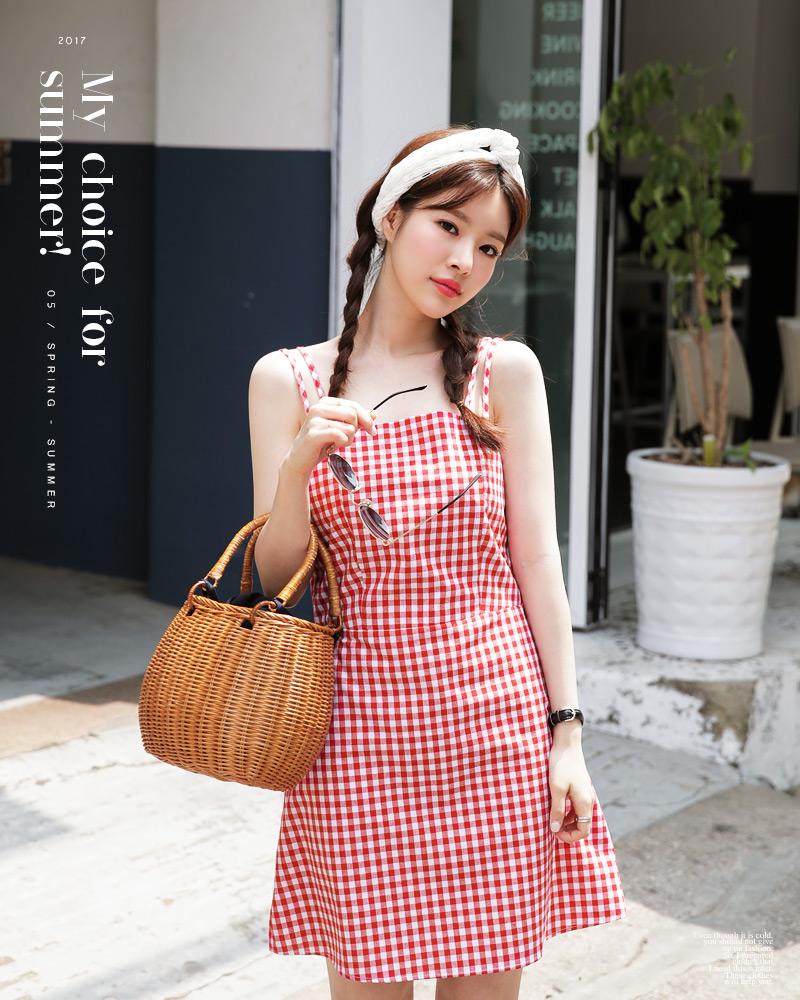 Ngoài váy hoa, hè này còn 5 kiểu váy khác cũng xinh và mát hết nấc - Ảnh 19.
