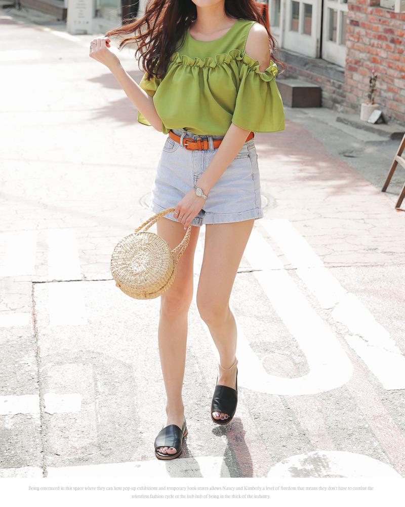 5 món phụ kiện hot trend các cô nàng không thể quên mang theo khi đi du lịch - Ảnh 11.