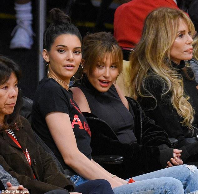 Kendall Jenner xuất hiện xinh đẹp bên bạn trai cũ sau nghi vấn hẹn hò tay 4 - Ảnh 3.