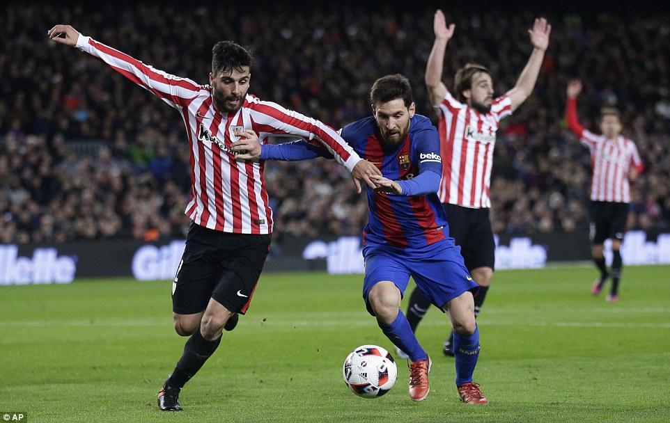 Messi ghi bàn quyết định, Barca ngược dòng vào tứ kết Cúp Nhà vua - Ảnh 4.