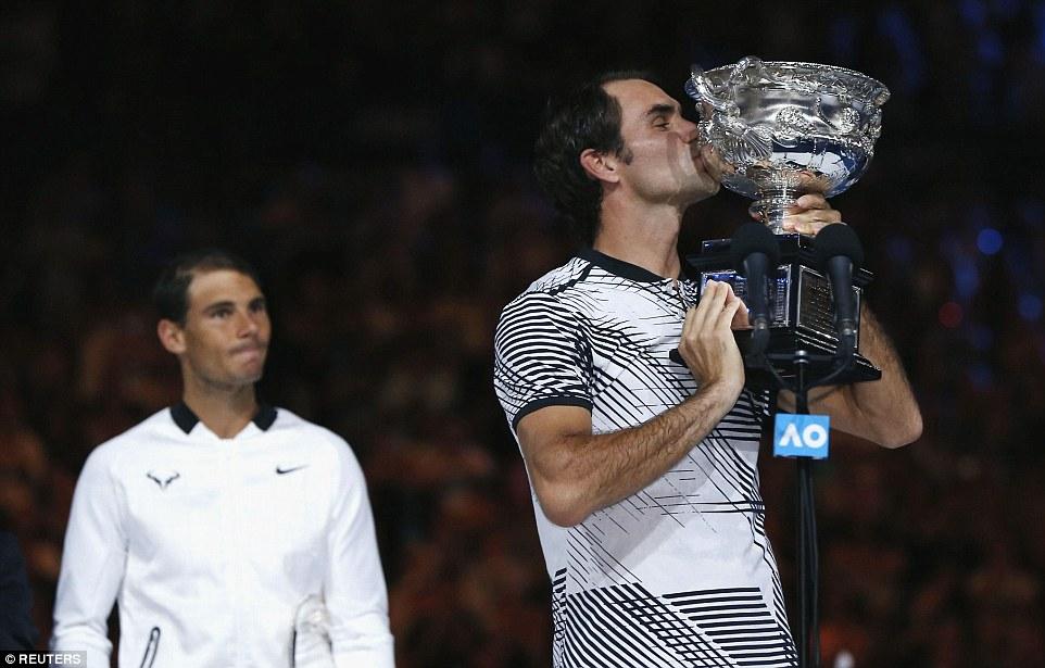 Federer bật khóc khi đánh bại Nadal, bước lên thiên đường thứ 18 - Ảnh 5.