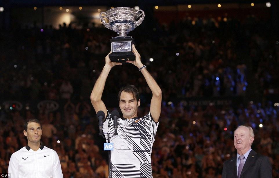 Federer bật khóc khi đánh bại Nadal, bước lên thiên đường thứ 18 - Ảnh 6.