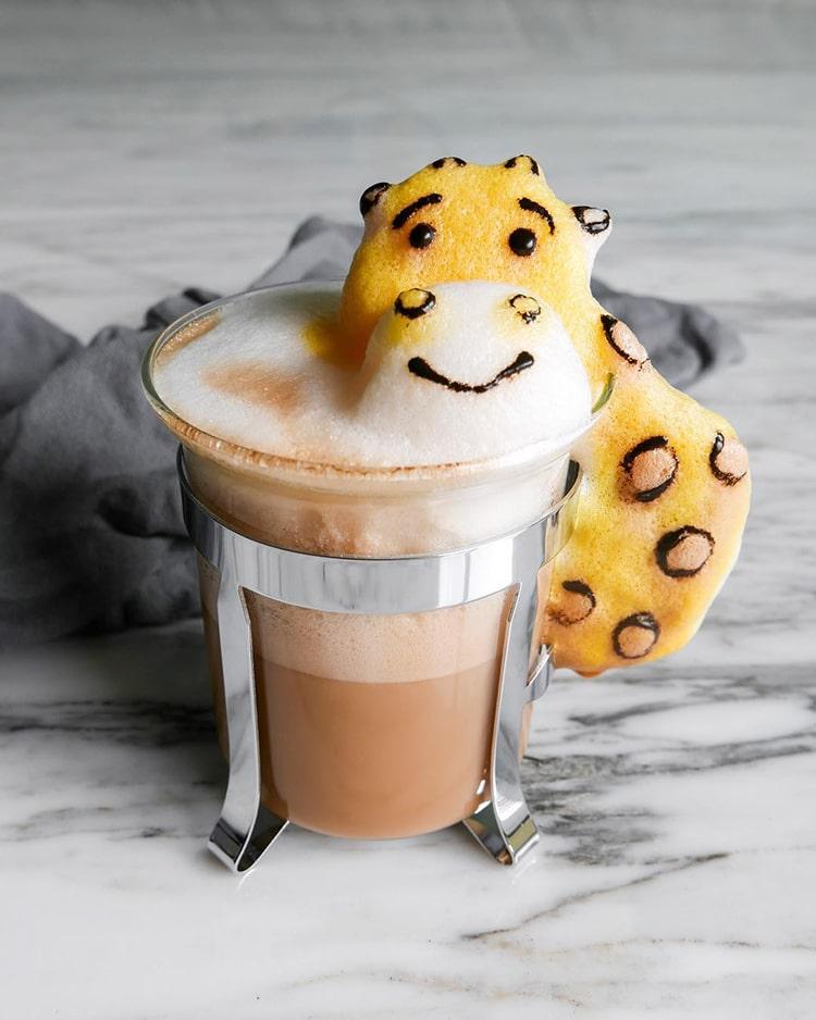 Nghệ thuật đúc tượng hoạt hình 3D làm từ bọt cà phê - Ảnh 5.