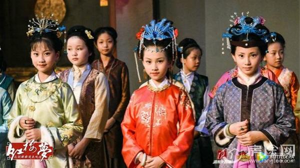 Bất ngờ rộ lên hàng loạt phiên bản thiếu nhi của tác phẩm Trung Quốc kinh điển - Ảnh 4.