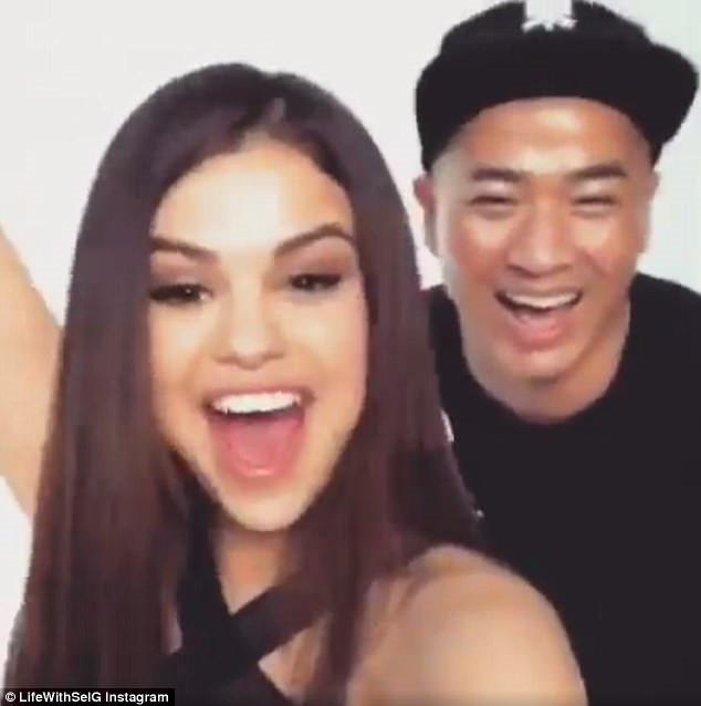 Chuyên gia trang điểm của Selena Gomez chê HLV The Face Việt đi tập thể dục mà son phấn quá dầy - Ảnh 6.
