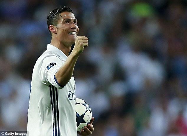 Ronaldo đi vào lịch sử Champions League - Ảnh 2.