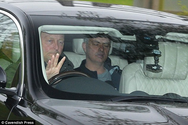 Mourinho không buồn quan tâm đối thủ của Man Utd ở bán kết Europa League - Ảnh 1.