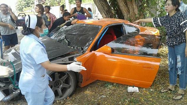 Mượn siêu xe như trong Fast and Furious của bạn lái thử, sư thầy Thái Lan gây tai nạn nghiêm trọng - Ảnh 2.