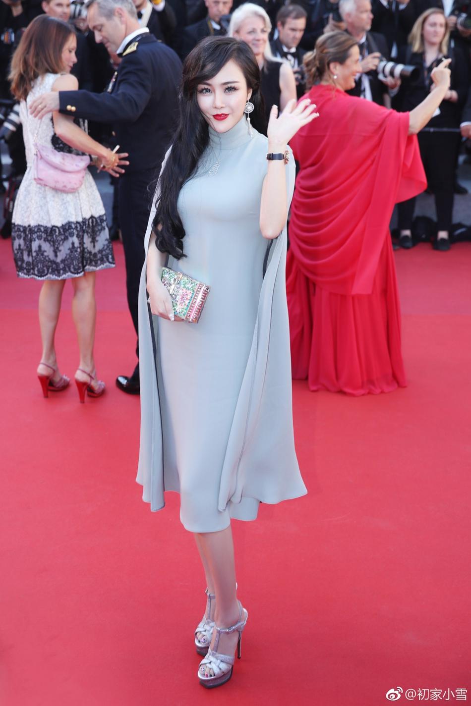 Lại thêm một người đẹp Cbiz vô danh chen chân lên thảm đỏ Cannes khiến netizen muối mặt - Ảnh 1.