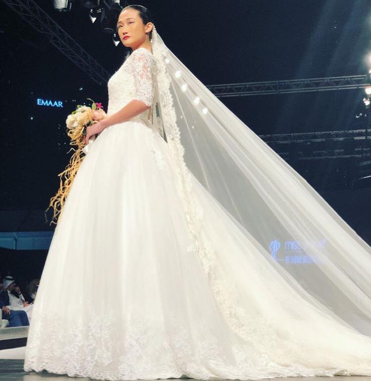 Tưởng theo chồng bỏ cuộc chơi, Kha Mỹ Vân vẫn âm thầm công phá Dubai Modest Fashion Week, nhận cát xê khủng - Ảnh 2.