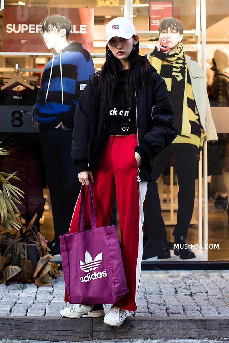 Mải mê ngắm street style ngày lạnh đẹp quên sầu của giới trẻ thế giới - Ảnh 2.