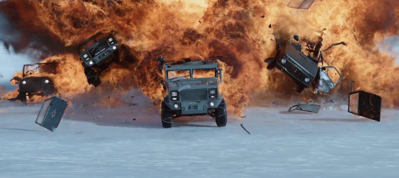 Fast and Furious 8 - Chị em lập team đi đua xe, đập lộn vì trai đẹp - Ảnh 4.