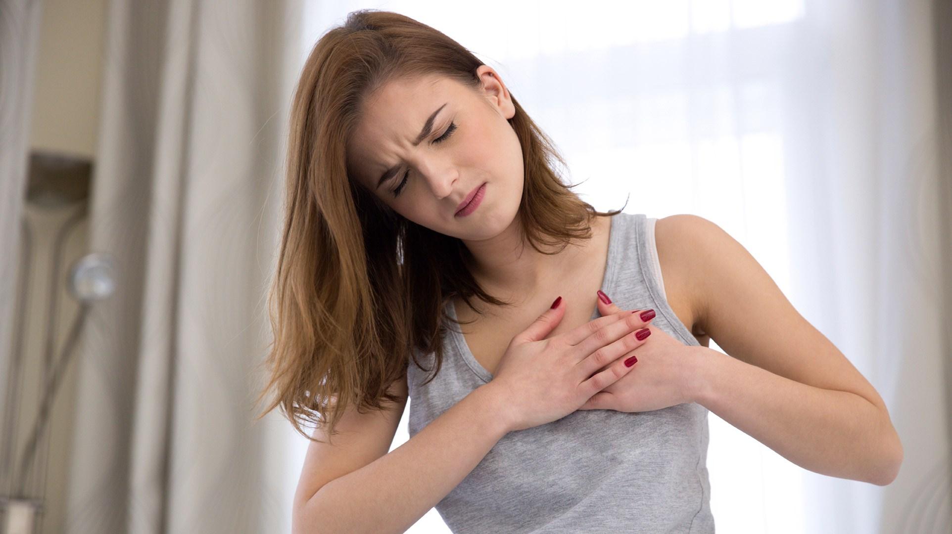 7 premiers signes de cancer du sein que chaque fille doit connaître