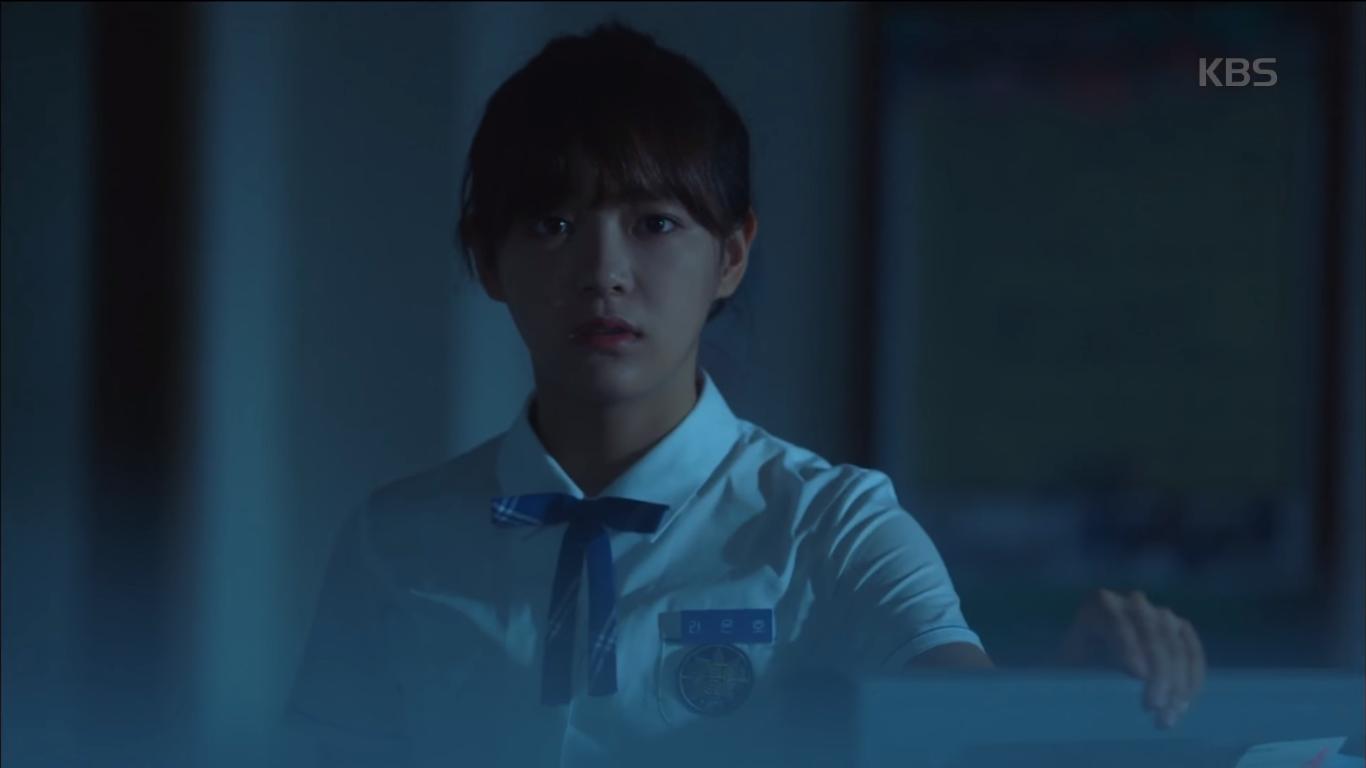 """""""School 2017"""": Liệu có phải con trai nào cũng có khuôn mặt """"dại gái"""" như thế này khi nhìn thấy gái xinh Se Jeong? - Ảnh 14."""