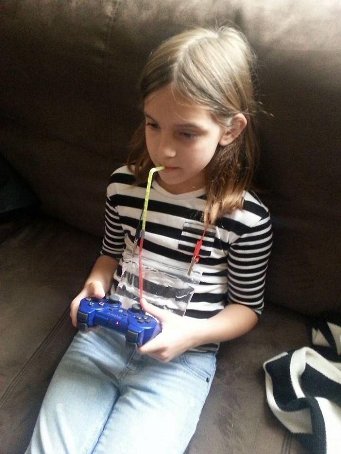 Xem 15 trò chơi sáng tạo của trẻ con, người lớn sẽ phải công nhận chúng quả là thiên tài - Ảnh 19.