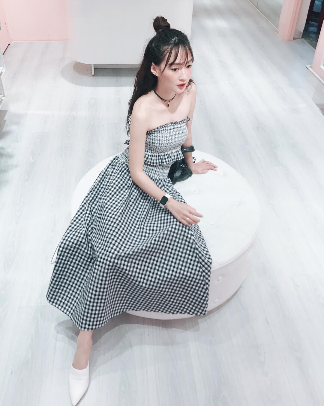 Bộ váy này đang được con gái Việt diện suốt trên Instagram, chứng tỏ gingham là hot trend phá đảo Hè 2017 - Ảnh 4.
