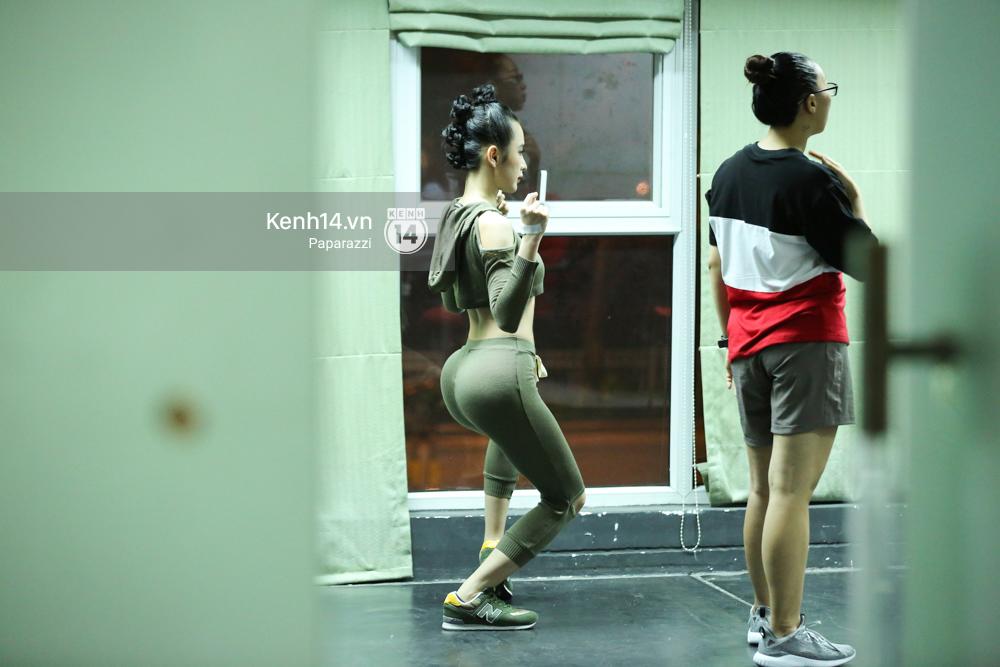Mặc dù bệnh nhưng Angela Phương Trinh vẫn miệt mài tập vũ đạo đến tận khuya - Ảnh 4.