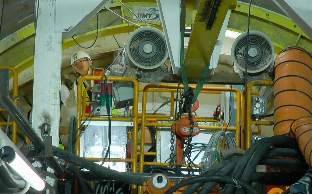 Cận cảnh hầm Metro Bến Thành - Suối Tiên dần rõ dáng sau gần 100 ngày thi công giữa lòng Sài Gòn - Ảnh 7.