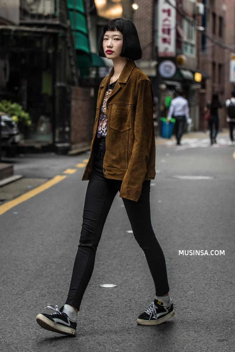 Nhìn giới trẻ Hàn ồ ạt diện sweatshirt, bạn sẽ mong trời chuyển mát thật nhanh để còn được tái ngộ item siêu cool này - Ảnh 5.