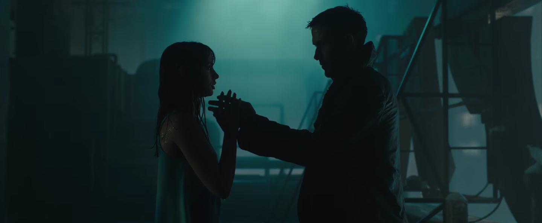 Blade Runner 2049 - Khi tình yêu của trí tuệ nhân tạo trở nên chân thật hơn bao giờ hết - Ảnh 4.
