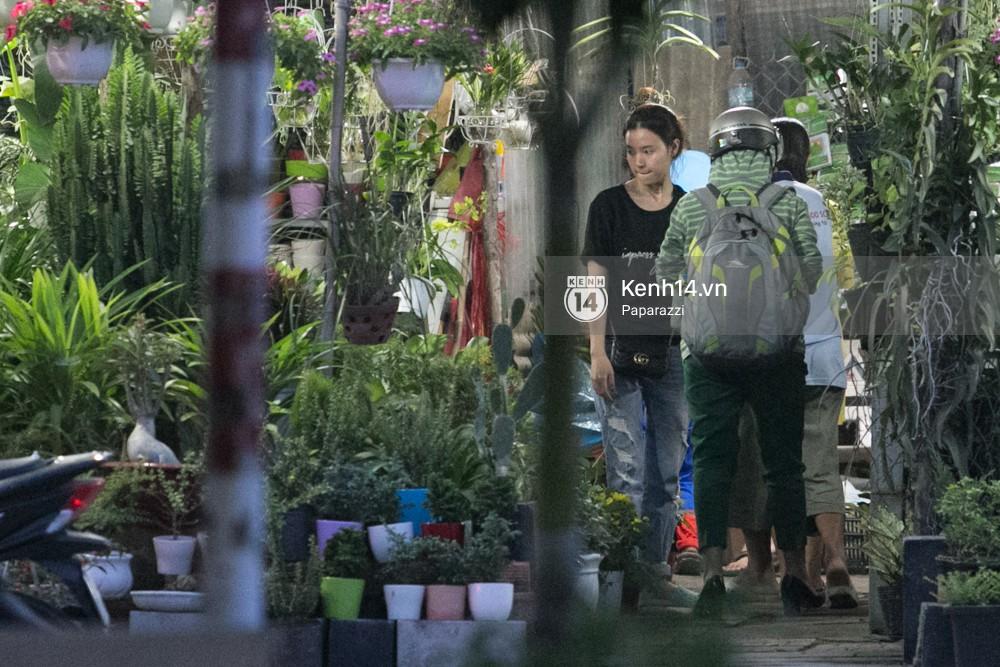 Midu tiếp tục bị bắt gặp tình tứ với bạn thân của Phan Thành trên phố - Ảnh 8.