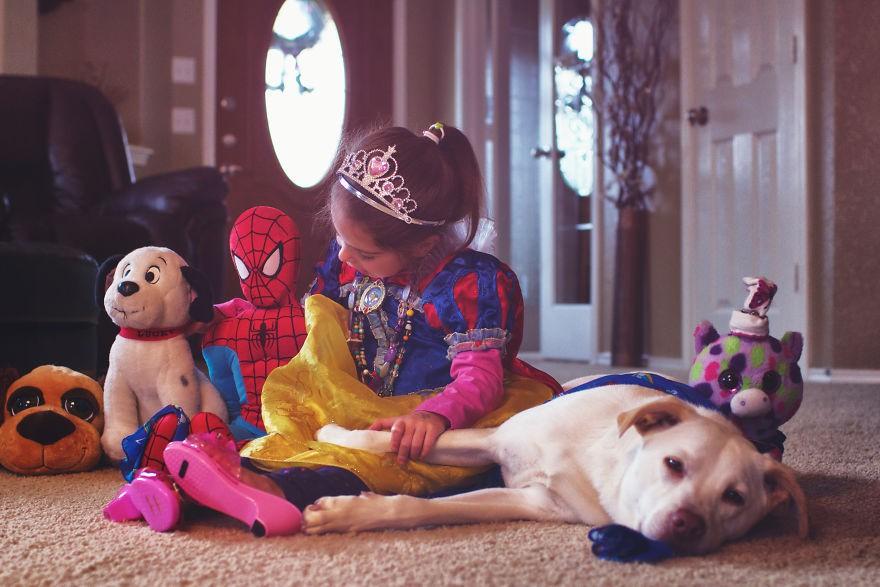 Nhũn tim trước hình ảnh thắm thiết quấn quýt bên nhau của cô chủ nhỏ và chú chó - Ảnh 7.