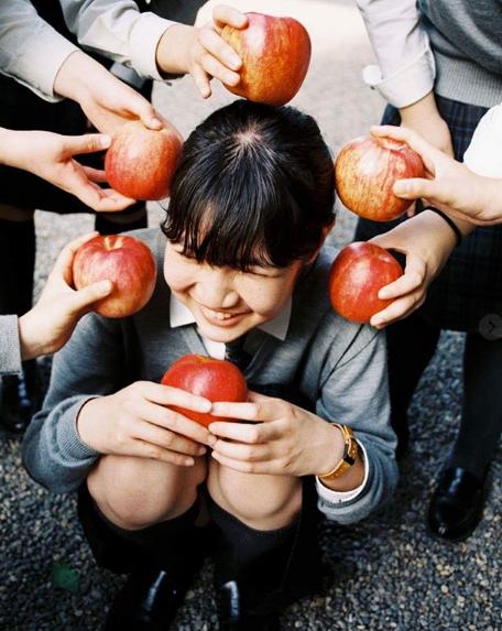 Bộ ảnh độc đáo lột tả cuộc sống nữ sinh trung học Nhật Bản những giờ phút bên ngoài giảng đường - Ảnh 16.