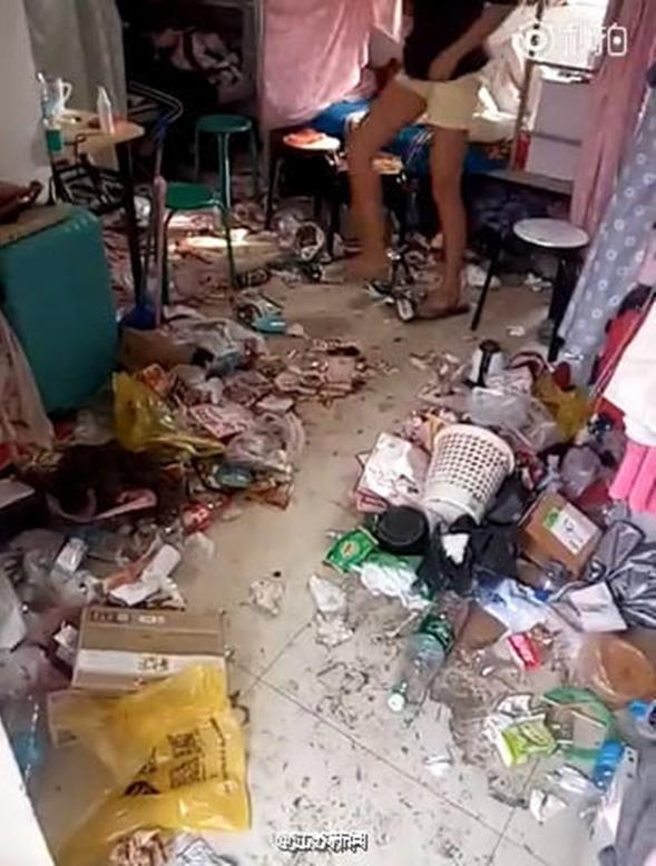 Những căn phòng ký túc bẩn còn hơn cả bãi rác của sinh viên Trung Quốc khiến nhiều người hoảng hồn - Ảnh 15.