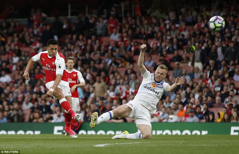 Cú đúp của Sanchez giúp Arsenal nuôi hy vọng dự Champions League - Ảnh 5.